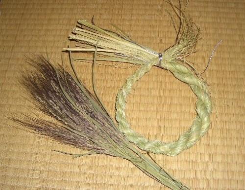 しめ縄と赤米の稲穂